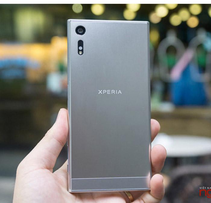 Các nhà bán lẻ tung khuyến mãi chờ Sony Xperia XZs